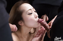 Naked beauty Kisaragi Juri blowbang with cum in mouth