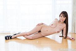 Lying On Wood Floor Nude Long Hair Big Breasts Trimmed Pussy Hair High Heels